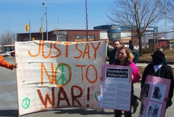 Dix heures contre le terrorisme le 27 mai 2015 – Homes Not Bombs: Appel à l'action contre CANSEC15