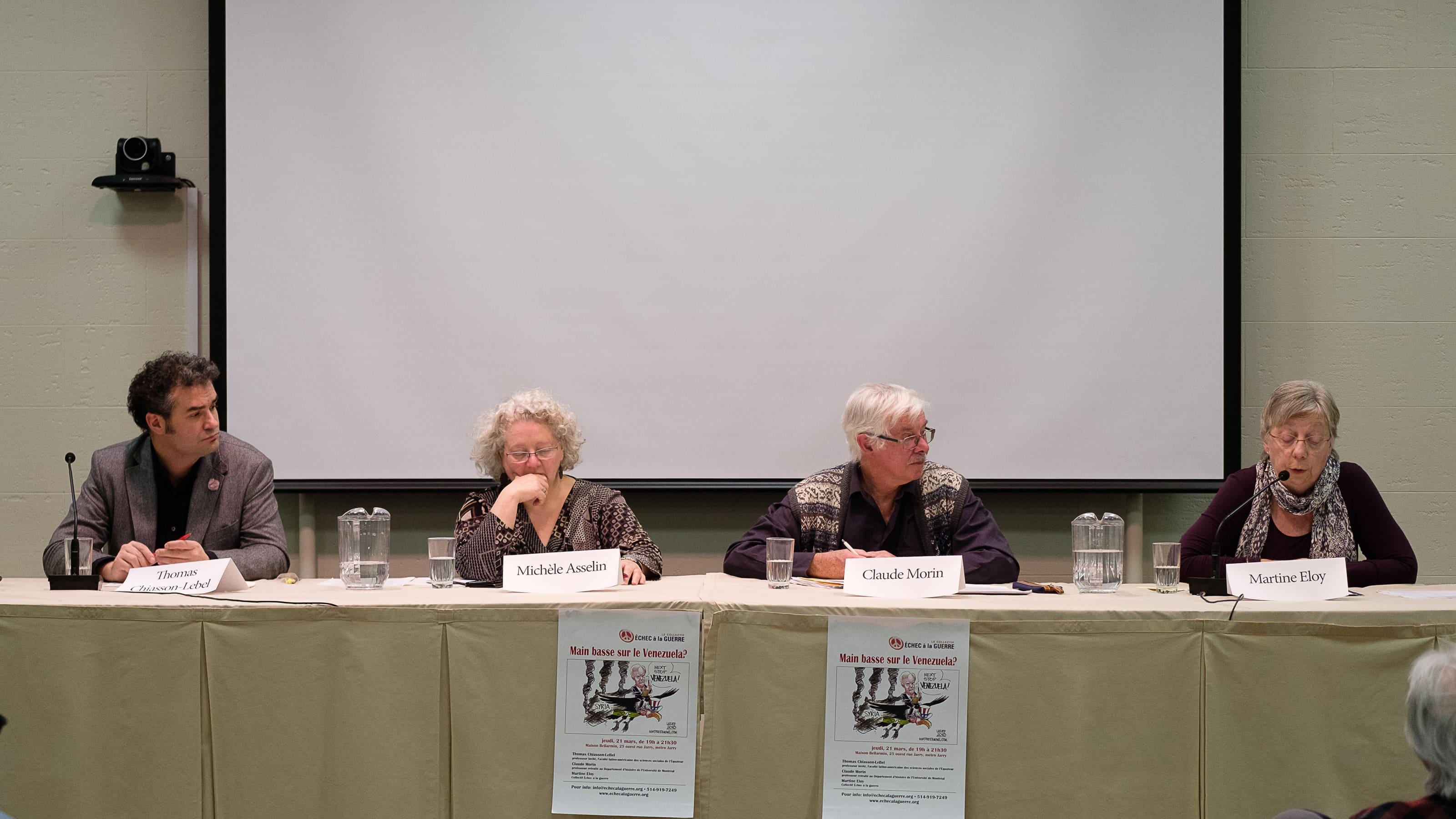Thomas Chiasson-Lebel, Michèle Asselin, Claude Morin et Martine Eloy. Soirée Main basse sur le Venezuela, 21 mars 2019. Crédit Bernard Gauvin.